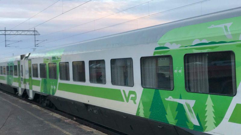 892 km unessa – junalla Lappiin vauvan kanssa