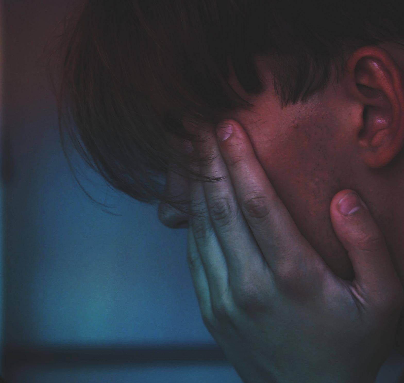 Lapsuusiän masennus nostaa riskiä moniin fyysisiin sairauksiin aikuisiällä