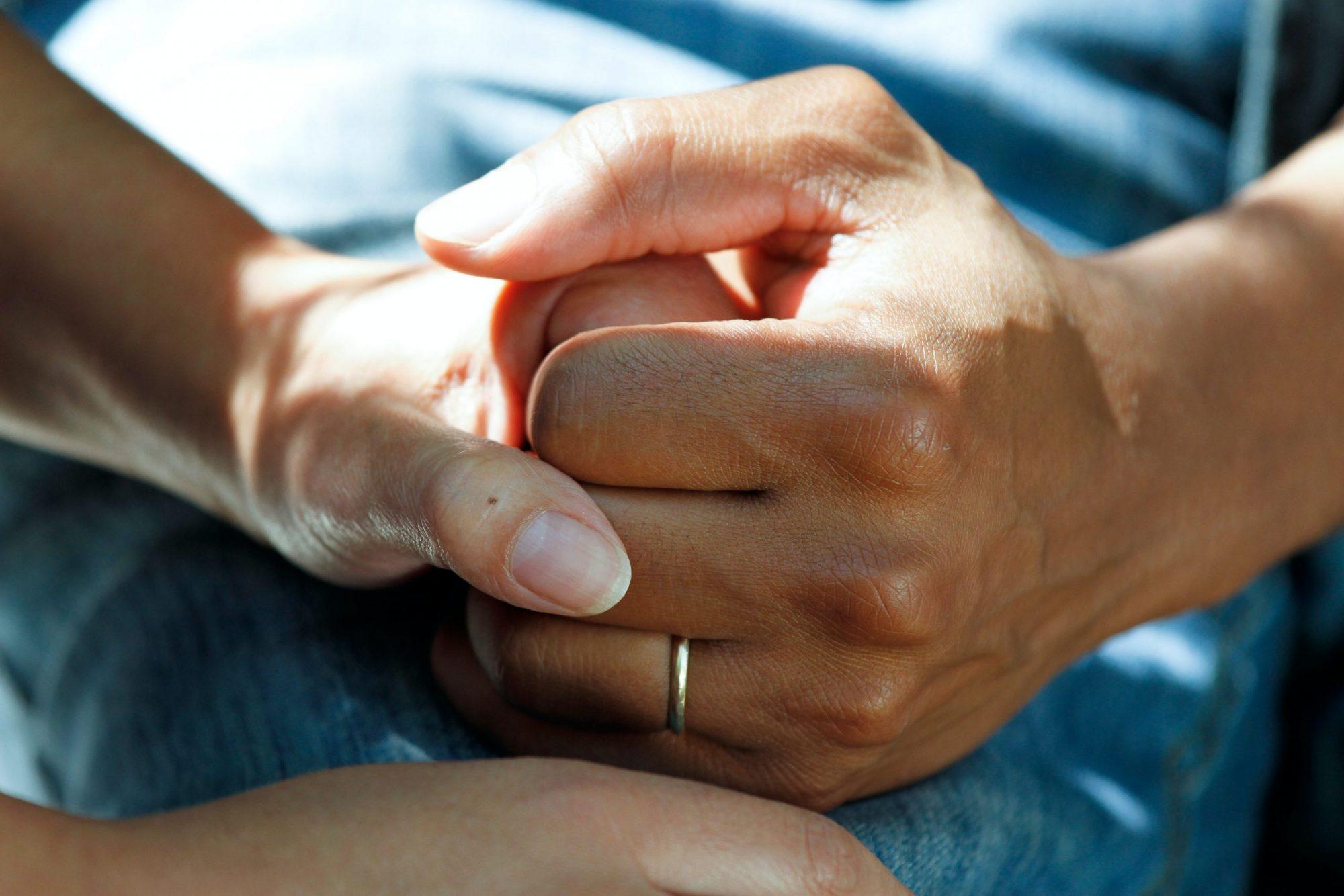 Keskenmenon jälkeen tarvitaan lähipiiriltä erityistä tukea ja hienotunteisuutta