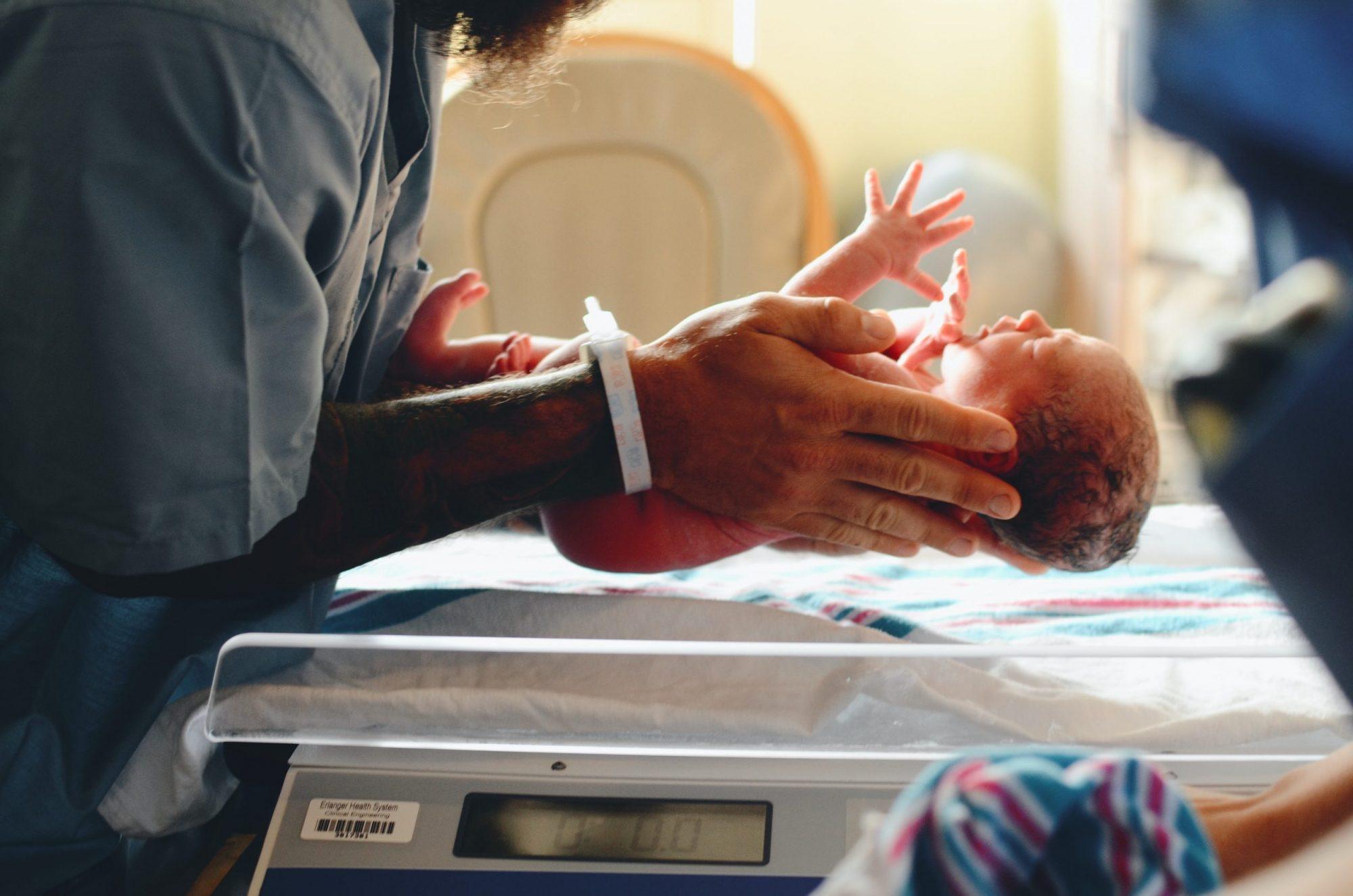Tilastot kertovat: Poikkeusolot eivät vähentäneet vauvojen syntyvyyttä- päinvastoin