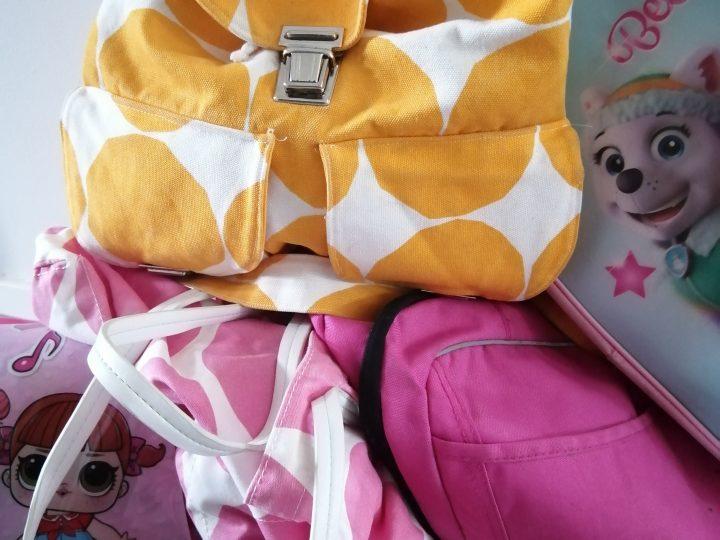 Pikkureppurumba – miten lapsi voi tarvita 5 pakattua reppua yhdelle päivälle