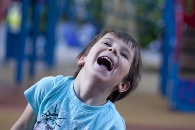 """""""Äiti! Lasta ei sitten koskaan saa lyödä kirveellä!"""" -Ja muita totuuksia lasten suusta"""