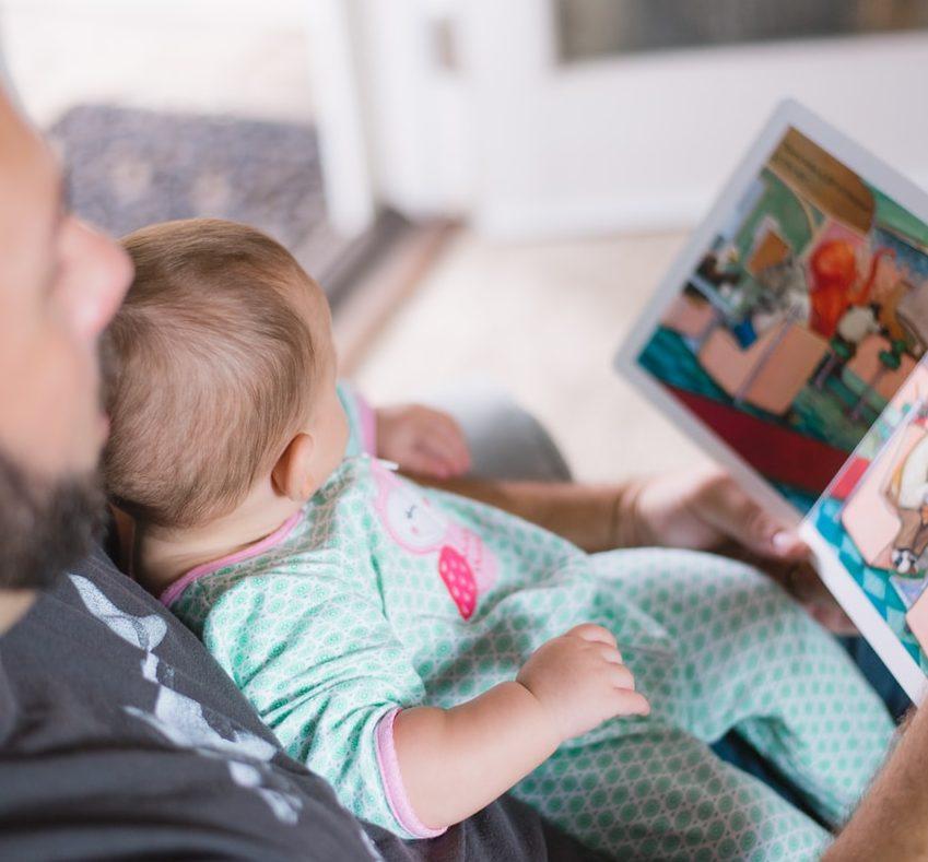 """Lastenkirjojen tutkija: """"nämä kirjat vanhempien kannattaisi lukea lapsilleen"""""""