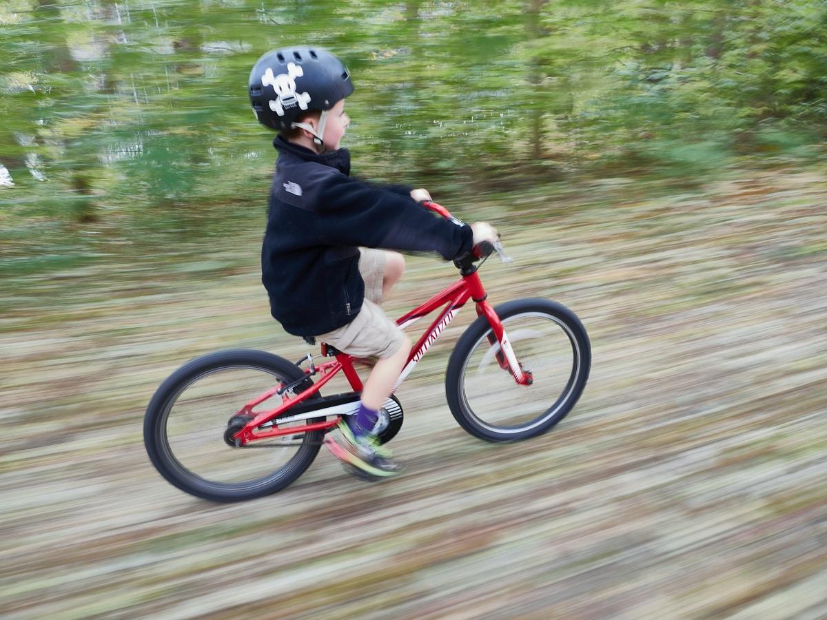 Polkeeko lapsesi oikean kokoisella polkupyörällä? Tarkista tästä!