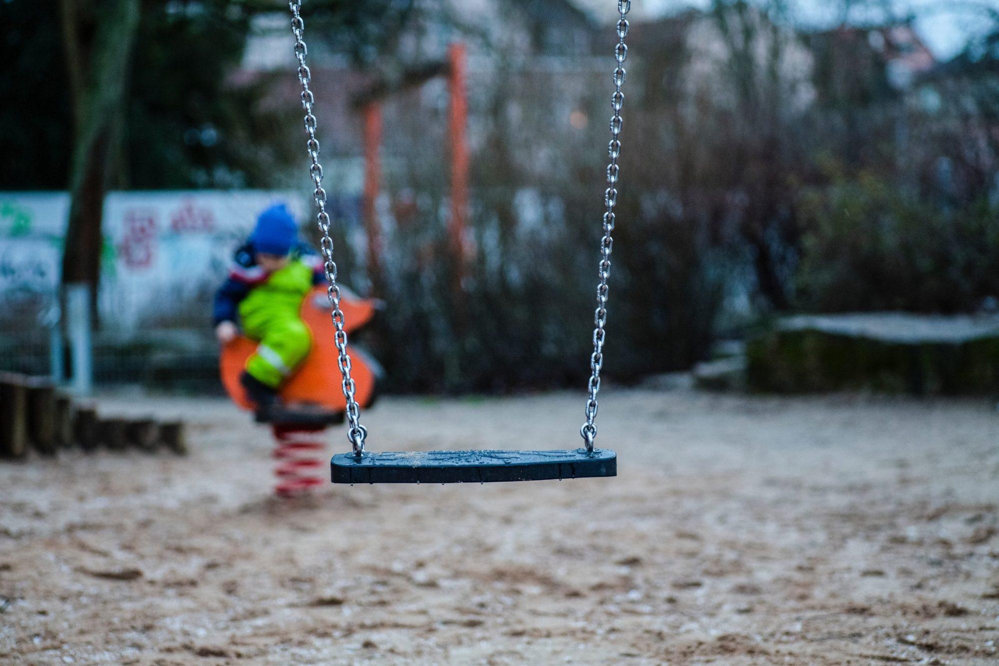 Pula lakisääteisistä varhaiskasvattajista sulki leikkipuistot ja päiväkotien kerhot