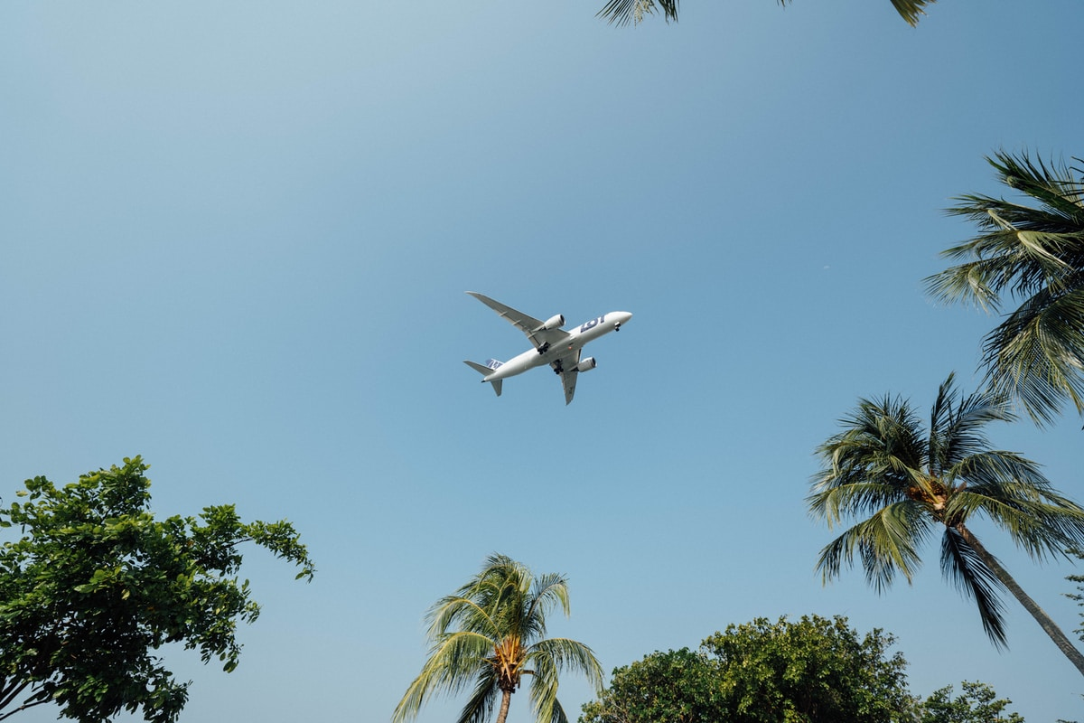 Perhebloggaaja bongattiin lentokentältä ja tuomio oli musertava – julkinen keskustelu matkustelusta vinoutunutta