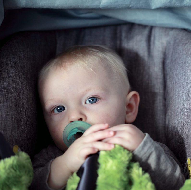 Asiantuntija: Paras lääke pikkulapsen matkapahoinvointiin on siedätys