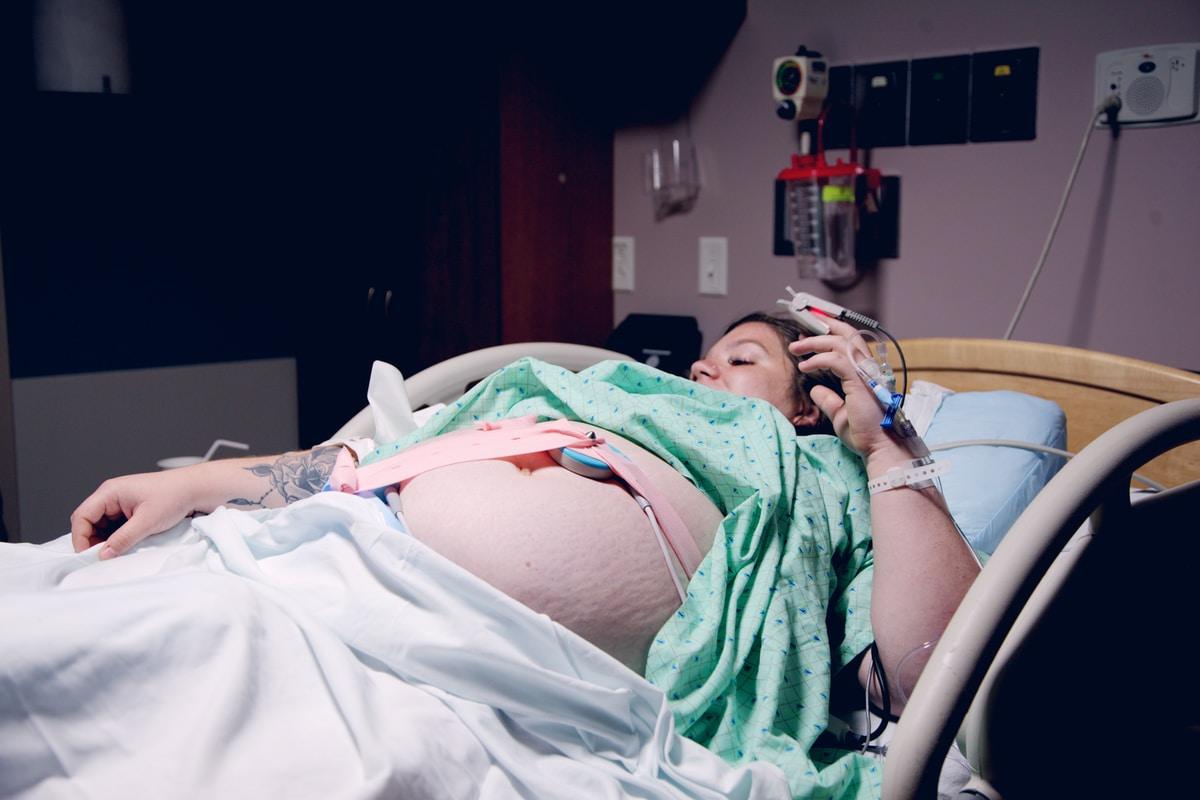 Synnytyssairaaloissa on valloillaan äärimmäinen stressikierre: Kätilöliitto avautuu