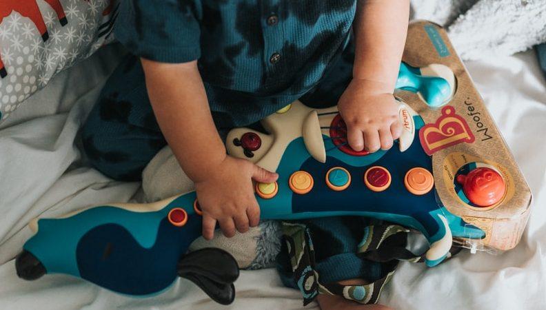 Vauvan näköaisti: Mitä vauvat näkevät ja kuinka näköaisti kehittyy?