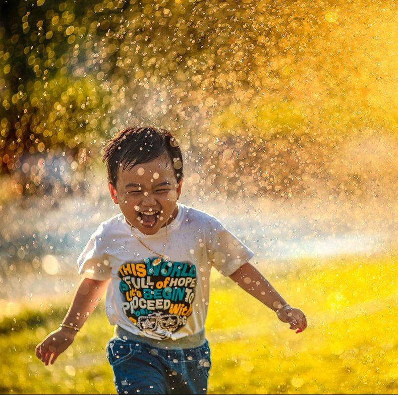 Kotiläksyt kesäksi: nämä 50 asiaa jokaisen lapsen kuuluisi tehdä kesällä