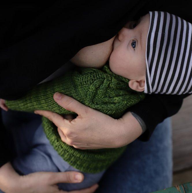 Imeväisruokintaselvitys: vauvojen imetys on yleistynyt ─ nuoret ja matalammin koulutetut äidit imettävät edelleen muita vähemmän