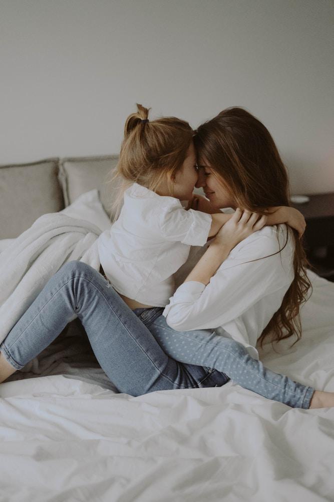 Vanhemmat itkun partaalla – kuinka hallita itsensä kun tekisi mieli itkeä ja huutaa?